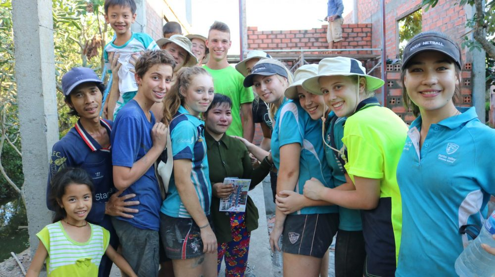 Students on tour in Vietnam