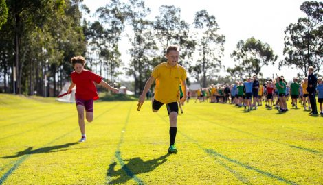 student running in race